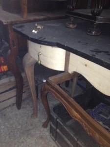 casa-pasiva-moncalvillo-escritorio-art-deco-mueble-baño