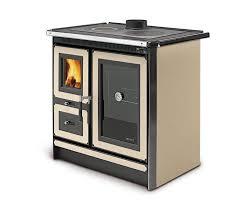 casa-pasiva-moncalvillo-cocina-economica-calefactora-agua-biomasa